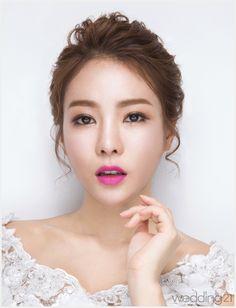 J By Loistaa Korean Bridal Hair Makeup Korean Wedding Photography - Wedding Makeup Celebrity Korean Wedding Makeup, Makeup Korean Style, Asian Bridal Makeup, Best Wedding Makeup, Bridal Makeup Looks, Bride Makeup, Wedding Hair And Makeup, Hair Wedding, Makeup Style