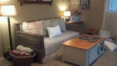 20 Cozy DIY Pallet Couch Ideas   Idees And Solutions