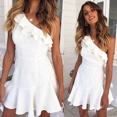 Mura Boutique Online Fashion Boutique : BACK IN STOCK! Your must have Imperial Beach Dress. Goes perfectly with a glass of Rosé, a view of the water & some cute heels x Shop Now via bio Best Prom Dresses, Grad Dresses, Dance Dresses, Homecoming Dresses, Cute Dresses, Casual Dresses, Summer Dresses, Look Fashion, 90s Fashion