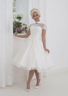 67cd0ddf0c Najlepsze obrazy na tablicy Sukienki (8)