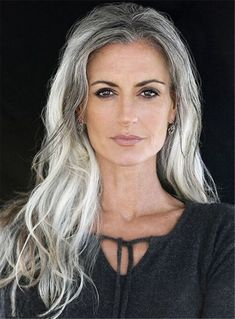 Best Silver Hair Color Ideas For Women Look More Beautiful 12 Medium Hair Styles, Curly Hair Styles, Natural Hair Styles, Synthetic Lace Front Wigs, Synthetic Hair, Best Lace Front Wigs, Pelo Color Azul, Long Gray Hair, Grey Curly Hair