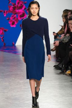 http://www.vogue.de/fashion-shows/kollektionen/herbst-2014/new-york/thakoon/runway/00040h