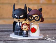 Enfeites nerds para topo do bolo de casamento.