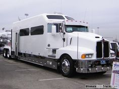 Tow a trailer behind this and you'd have a condo on 18 Wheels! Any use for a trailer big enough to fit … Big Rig Trucks, Show Trucks, Old Trucks, Peterbilt, Kenworth Trucks, Bus Camper, Custom Big Rigs, Custom Trucks, Rv Trailers