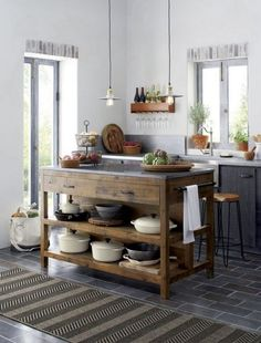 Like a treasured vintage find or a custom-designed piece, this elegant kitchen island serves as a rustic yet refined workstation for the home cook or entertaining enthusiast. Bluestone is crafted with (Decoration Pour Cuisine) Country Kitchen, New Kitchen, Kitchen Dining, Kitchen Ideas, Wooden Kitchen, Kitchen Cabinets, Kitchen Rustic, Rustic Farmhouse, Farmhouse Kitchen Island