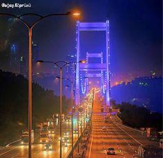 伊斯坦布爾海峽大橋夜未眠....。✨ ©Hamit Yalçın