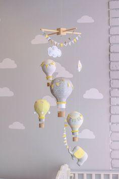 Gleichstellung der Neutral Baby Mobile Hot Air von sunshineandvodka