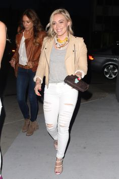 Hilary Duff wears her tee with distressed white jeans // #Fashion #StreetStyle
