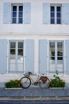 Ars en Ré Beautiful Islands, Beautiful World, Framed Wallpaper, Color Plan, Beaux Villages, French Cottage, Jolie Photo, Coastal Style, Scandinavian Style