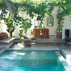 Pool fences are ideal for privacy and protection. But you can still have fun setting up your pool fence. Here are 27 Awesome pool fence ideas ! Design Exterior, Interior And Exterior, Patio Interior, Pool Designs, Interior Design Living Room, Interior Livingroom, My Dream Home, Future House, Beautiful Homes