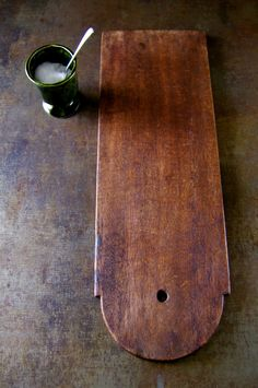 Vintage Wooden Cutting Board. Great replacement for plastic and reusing is eco-friendly. #plasticfreetuesdays