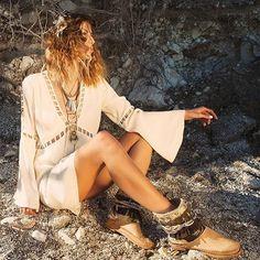 〰 Spring essentials | SANTA CRUZ  Spring-summer leather boots, 100% Made in Italy, entirely hand-stitched, 100% #BOHOSOUL  #boho #bohochic #bohogirl #boholife #boholuxe #festivalstyle #festival #coachellastyle #coachella #festivallook #inspo #coachellafashion #fashionaddict #shoeslover #shoestagram #shoesfashion #shoesoftheday #karmaofcharme #ibizastyle #gypsyboots #gypsygirl #gypsystyle #stylish #hippiechic #countrychic #gypsyfashion #ibizasummer2016 #ibizasummer