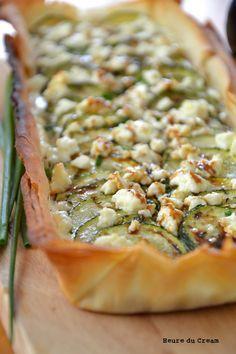 Zucchini & Feta Tart with Balsamic Reduction. Tarte féta courgettes.  Use translate feature.