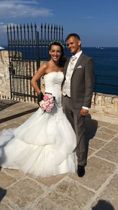 Robes de mariées Pronovias acheté chez Mariage en Rose; 2015.