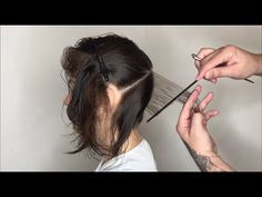 Hair Cutting system using Geometry, physics, and Head Shape Hair Cutting Videos, Hair Cutting Techniques, Hair Color Techniques, Diy Haircut, Pixie Haircut, Short Hair Cuts, Short Hair Styles, Graduated Bob Haircuts, Layered Hair