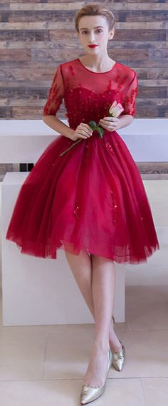 robe de gal rouge princesse courte à manche courte
