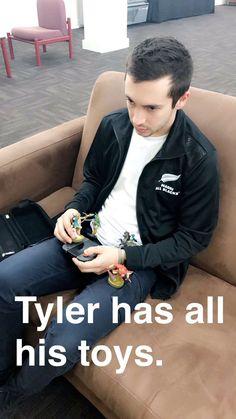 Twenty One Pilots Twenty One Pilots, Twenty One Pilot Memes, Tyler Joseph Josh Dun, Tyler Joseph Snapchat, Tyler Joseph Ukulele, Top Memes, Band Memes, My Escape, Staying Alive