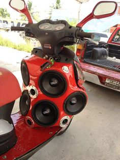 Now this is how you add audio to a moped. All PRV Audio Speakers.