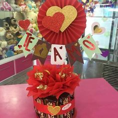 Valentine Decorations, Valentine Crafts, Flower Decorations, Valentine Day Gifts, Valentines, Craft Gifts, Diy Gifts, Clown Crafts, Valentine Baskets