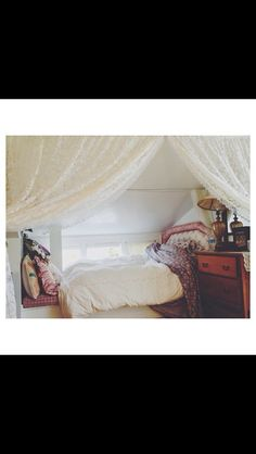 I want this boho room so much