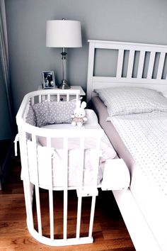 Babyzimmer - saansh - by sandra pietras Baby Nursery: 27 Easy and Cozy Baby Room Ideas for Girl and Boys Baby Bedroom, Baby Boy Rooms, Baby Room Decor, Baby Boy Nurseries, Baby Cribs, Nursery Room, Girls Bedroom, Bedroom Decor, Girl Nursery