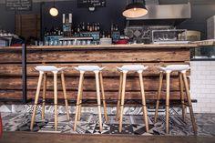 Lust auf einen Drink? #Restaurant #Hias #Bar #Barhocker #italiandesign #interiordesign #createidentity #area