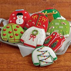 Created from hand-kneaded and hand-cut spiced gingerbread, the Ugly Christmas Sweater Cookies are a sweet and cheerful treat for the holidays. Christmas Cookies Gift, Christmas Sweets, Christmas Baking, Christmas Goodies, Holiday Baking, Merry Christmas, Galletas Cookies, Cute Cookies, Cupcake Cookies