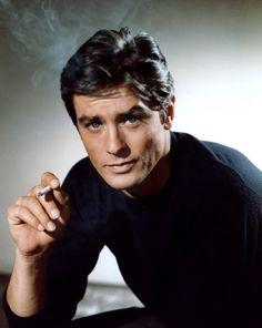 Im gleichen Jahr verkörpert der Schauspieler im französischen Kriminalfilm «Lautlos wie die Nacht» einen Gangster, der an der Seite von Jean Gabin das Casino «Palm Beach» in Cannes überfällt. (Bild: Imago)