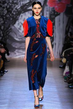 Tsumori Chisato Fall 2013 Ready-to-Wear Fashion Show