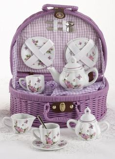 Rounded Wicker Childs Tea Set - Butterfly - Roses And Teacups