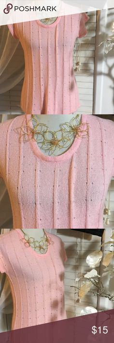 Knitivo top Cute top in perfect condition, made of nylon and polyester Knitivo Tops Blouses