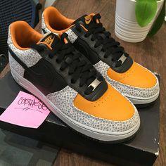 online retailer e816f f62bb Nike Air Force 1 Low SUPREME SAFARI Atmos Orange Black 318776-801 QS OG    Size 9
