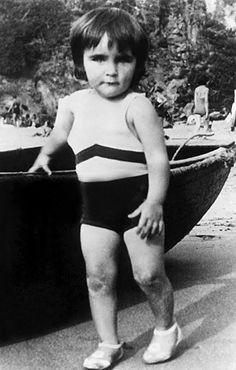 Eliz Taylor 1934