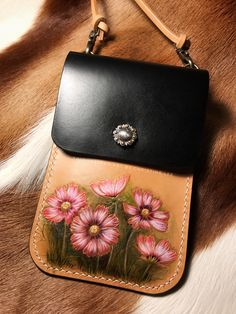 Cosmos Flower Bag Leather Carving, Leather Art, Painting Leather, Leather Design, Leather Jewelry, Leather Crossbody Bag, Leather Purses, Leather Handbags, Leather Tooling