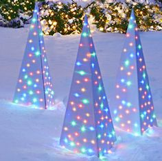 Make your home the most festive on the block with these creative and affordable DIY outdoor Christma All Things Christmas, Christmas Diy, Christmas Projects, Christmas Ornaments, Diy Christmas Light Decorations, Holiday Lights, Diy Home Decor Projects, Decor Ideas, Decorating Ideas