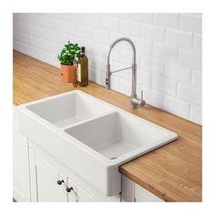 HAVSEN Apron front double bowl sink, white