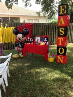 Spencer N Hannah V's Birthday / Mickey Mouse - Photo Gallery at Catch My Party Mickey 1st Birthdays, Mickey Mouse First Birthday, Mickey Mouse Baby Shower, Mickey Mouse Clubhouse Birthday Party, 2nd Birthday, Birthday Ideas, Mickey Mouse Birthday Decorations, Theme Mickey, Fiesta Mickey Mouse