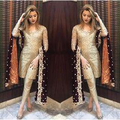 Love the colour combo ✨✨ Shadi Dresses, Pakistani Formal Dresses, Nikkah Dress, Pakistani Dress Design, Pakistani Outfits, Indian Outfits, Desi Wear, Dress Indian Style, Indian Dresses