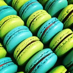 Green and blue Macarons ~ Arelio Sweetbox
