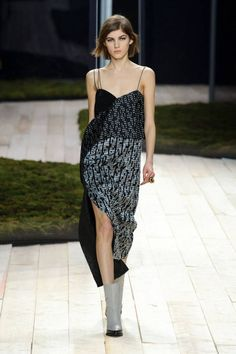 See the best runway looks fro Paris Fashion Week: Maiyet, Haider Ackermann and Acne Studios.