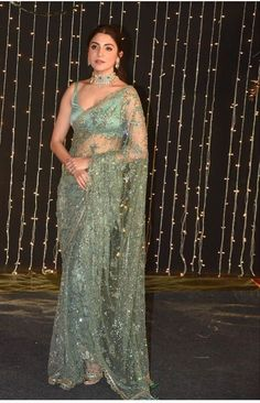 Dress Indian Style, Indian Fashion Dresses, Indian Designer Outfits, Anushka Sharma, Shilpa Shetty, Indian Wedding Outfits, Indian Outfits, Saree Designs Party Wear, Sarees For Girls