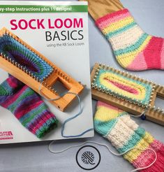 loom knitting Tired of pinched toes and floppy heels? Let me teach you how to loom knit socks that fit. My video tutorial walks you throuch customizing a pattern. Knitting Loom Socks, Loom Knitting Stitches, Loom Knit Hat, Loom Knitting Projects, Knit Socks, Easy Knitting, Knitted Hats, Knitting Ideas, Sock Loom Patterns