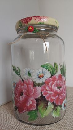 Decoupage flower potDecoupage flower potDecoupage - Learn and benefit with this amazing yet simple craft technique. Decoupage: what it is, how to do it and amazing ideasDecoupage application in MDF boxesFlower Decoupage Pot Flower Decoupage Jars, Decoupage Tutorial, Decoupage Furniture, Decoupage Ideas, Napkin Decoupage, Diy Furniture, Glass Bottle Crafts, Wine Bottle Art, Painted Wine Bottles