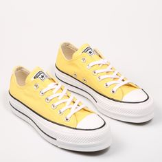 Cute Sneakers, Converse Sneakers, Adidas Shoes, Sneakers Fashion, Blue Converse, Converse All Star, Converse Tumblr, Cute Boots, Trendy Shoes