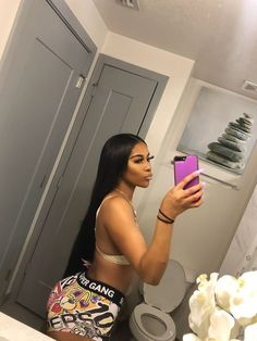 download ZYNN and use my code 2YUY4BG watch tiktoks to earn money Cute Swag Outfits, Chill Outfits, Black Girl Fashion, Look Fashion, Thick Body, Vetement Fashion, African Girl, Black Girl Aesthetic, Body Inspiration