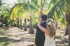 First Look at Coco Palms http://amauiweddingday.com