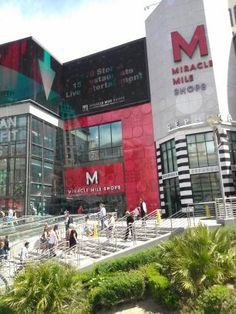 Miracle Mile Shops  is a 475,000 square foot (44,129 m²), 1.2-mile (1.9 km) long, enclosed shopping mall on the Las Vegas Strip in Las Vegas, Nevada. It is home to more than 170 stores, 15 restaurants and live entertainment venues. -Wikipedia