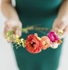 How to Make Fresh Flower Crowns  7 DIY Ideas  Svatební Květiny dadd434660