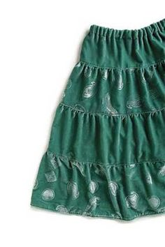 """""""Two-Hour Peasant Skirt"""" - would need to make it longer for me, but the style is right. And can't argue with FREE!"""