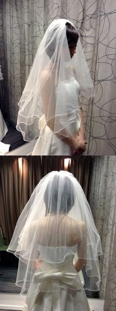 """新郎のもとにたどり着くまで花嫁を悪魔から守るという""""ウエディングベール""""。ベールはその長さやデザインも様々。挙式スタイルや会場とのバランスを考えてスタイリストがあなたにふさわしいベールをご提案させていただきます!"""